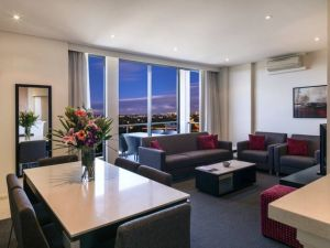 Meriton Serviced Apartments Parramatta - Surfers Gold Coast