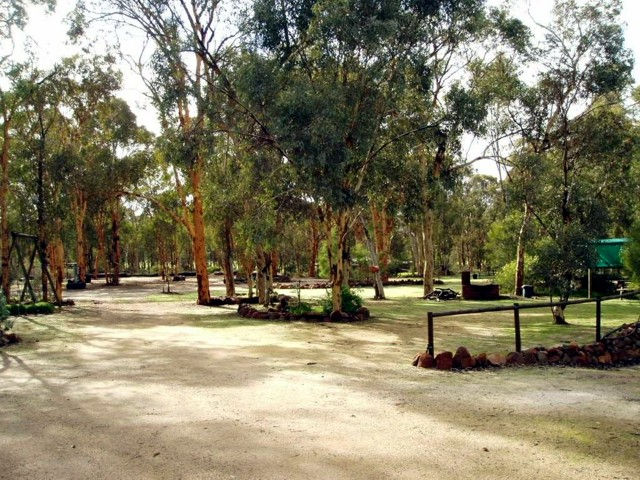 Toodyay Holiday Park  Chalets - Surfers Paradise Gold Coast