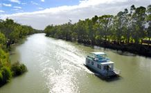 Edward River Houseboats - Surfers Gold Coast