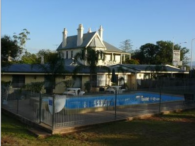 Airlie House Motor Inn - Surfers Gold Coast