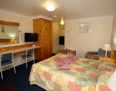 Alabaster Motel - Surfers Gold Coast