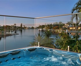Sanctuary on Water Elite Holiday Home - Surfers Gold Coast