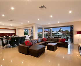 Xanadu Waterfront Elite Holiday Home - Surfers Gold Coast