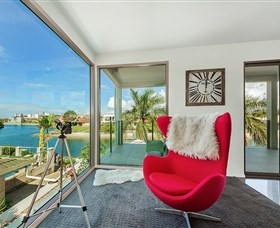 Riviera Waters at Vogue Holiday Homes - Surfers Gold Coast