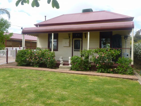 Country Cottages BB - Surfers Gold Coast
