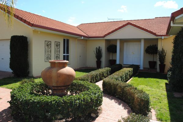 Casa Pizzini Bed and Breakfast - Surfers Gold Coast