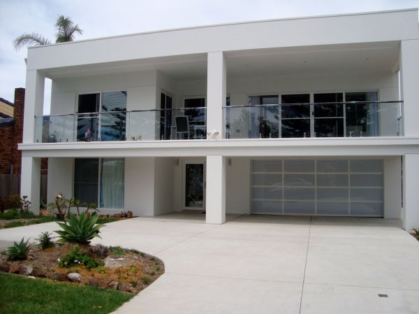 The White House - Shellharbour Village - Surfers Gold Coast