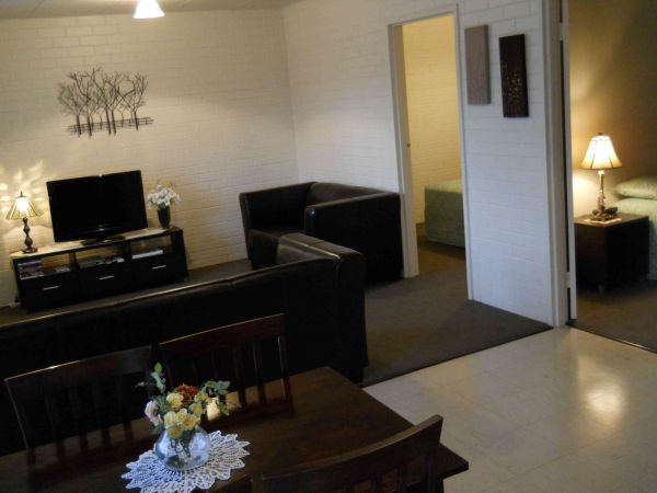 BJs Short Stay Apartments - Surfers Paradise Gold Coast