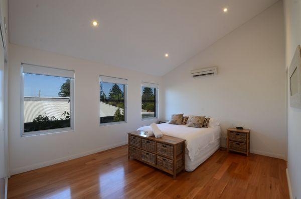 Dream Catcher Beach House - Surfers Gold Coast