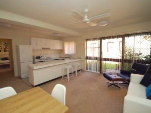 Ovens CBD Apartment 3 - Surfers Gold Coast