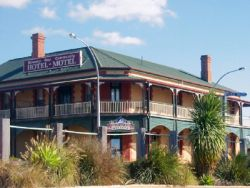 Streaky Bay Hotel Motel - Surfers Gold Coast