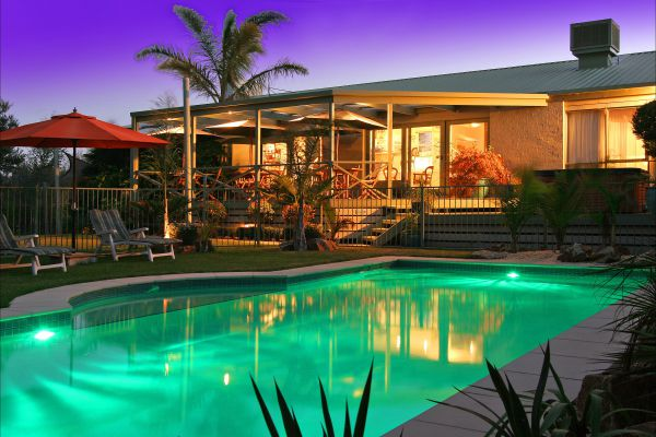 Weeroona Retreat BB - Surfers Gold Coast