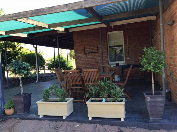 Corryong Holiday Cottages - Sportsview - Surfers Paradise Gold Coast