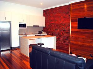 Sublime Spa Apartments on Murphy - Surfers Gold Coast