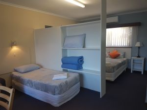 Beachport Motor Inn - Surfers Gold Coast