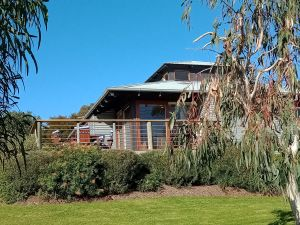 Butler's Bend Holiday Villa - Surfers Gold Coast