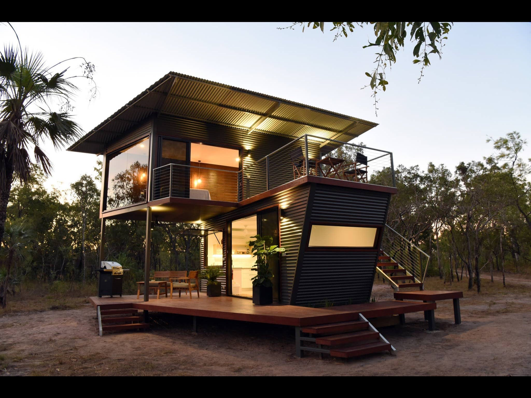 Hideaway Litchfield - Surfers Gold Coast