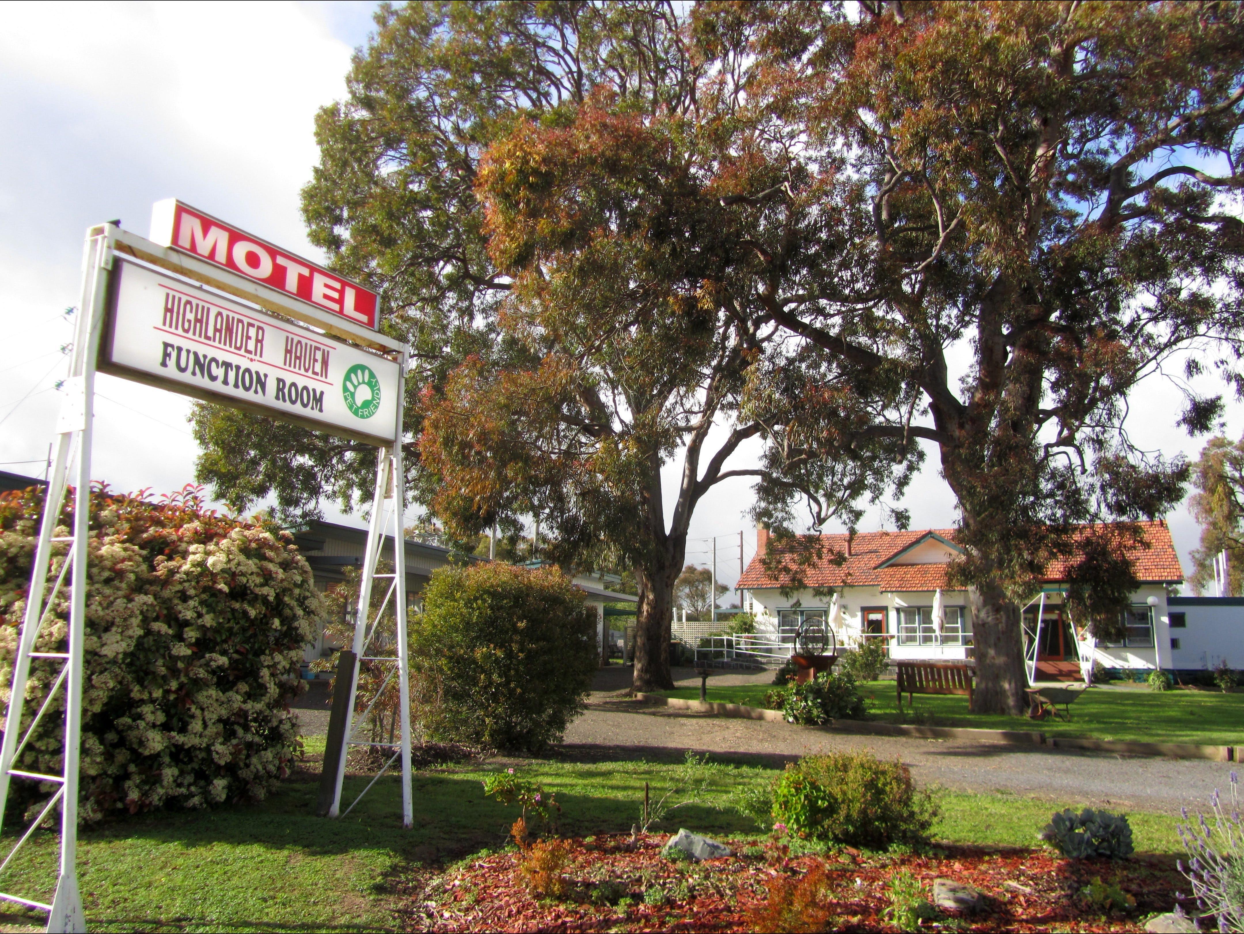 Highlander Haven Motel and Function Centre - Surfers Gold Coast