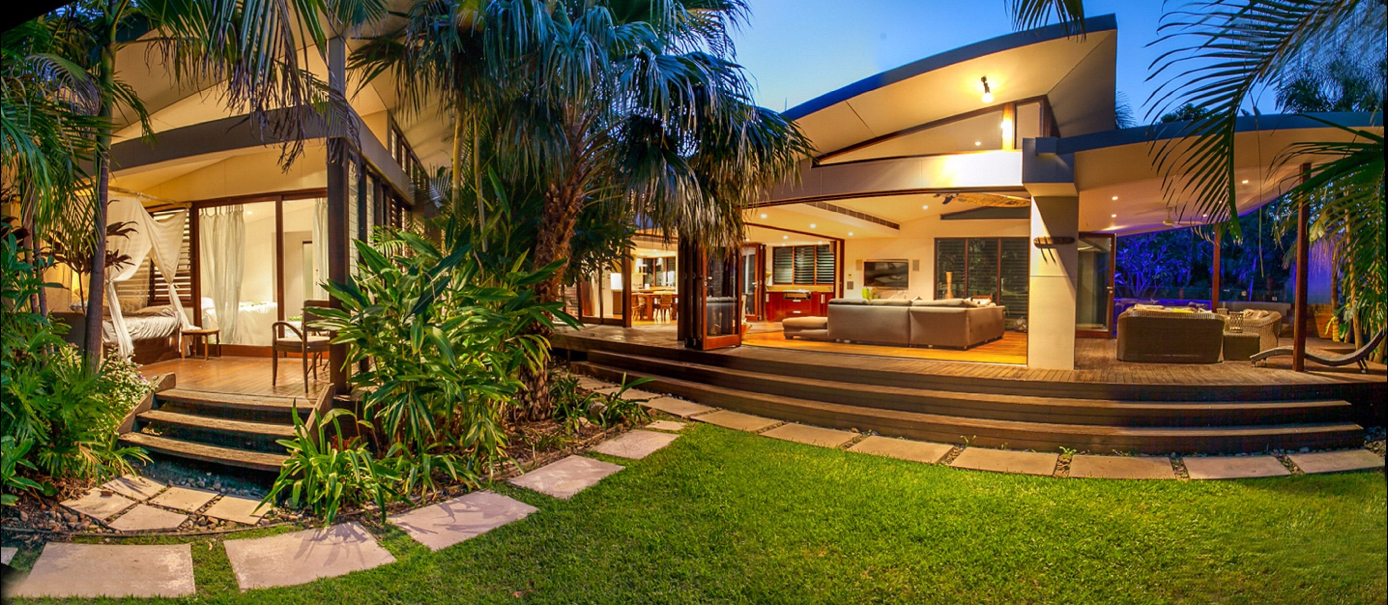 Pavilion Two at Broken Head - exclusive beachfront - Surfers Gold Coast