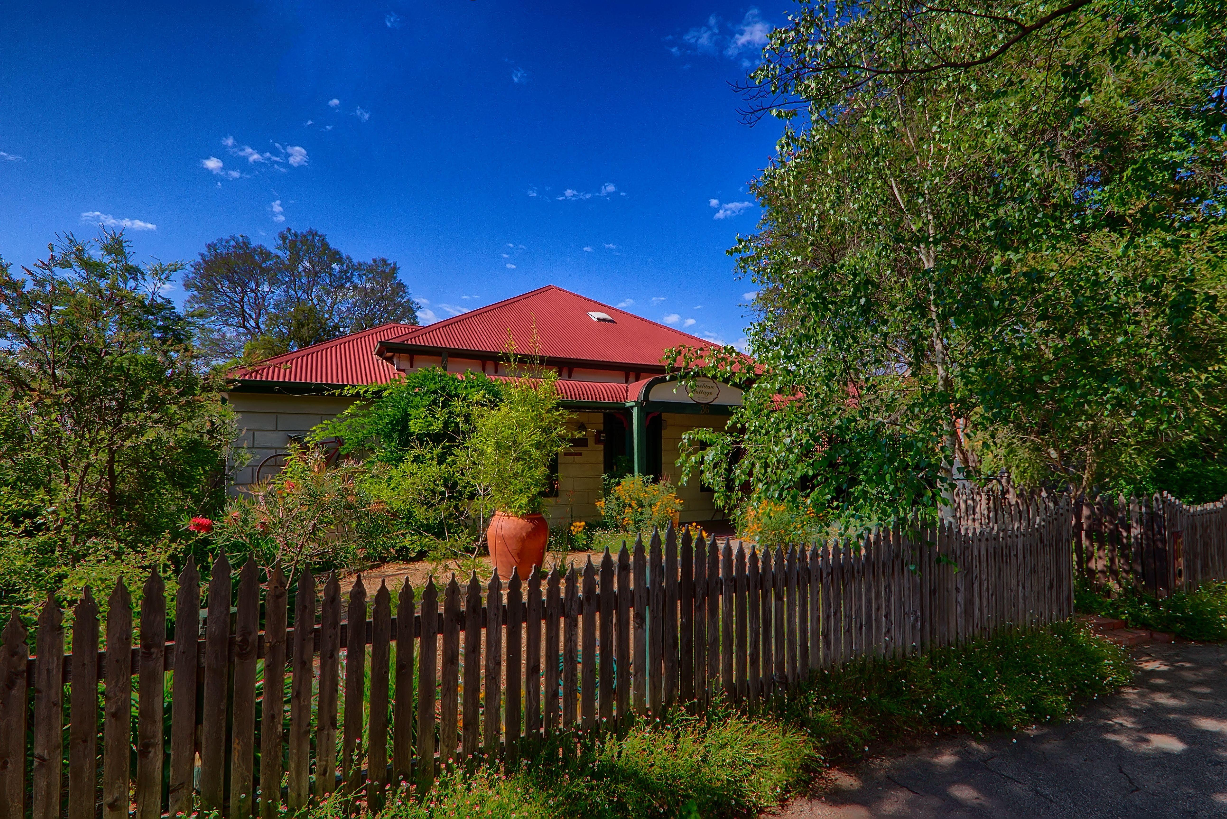 Rushton Cottage BB Private Guest Studio - Surfers Gold Coast