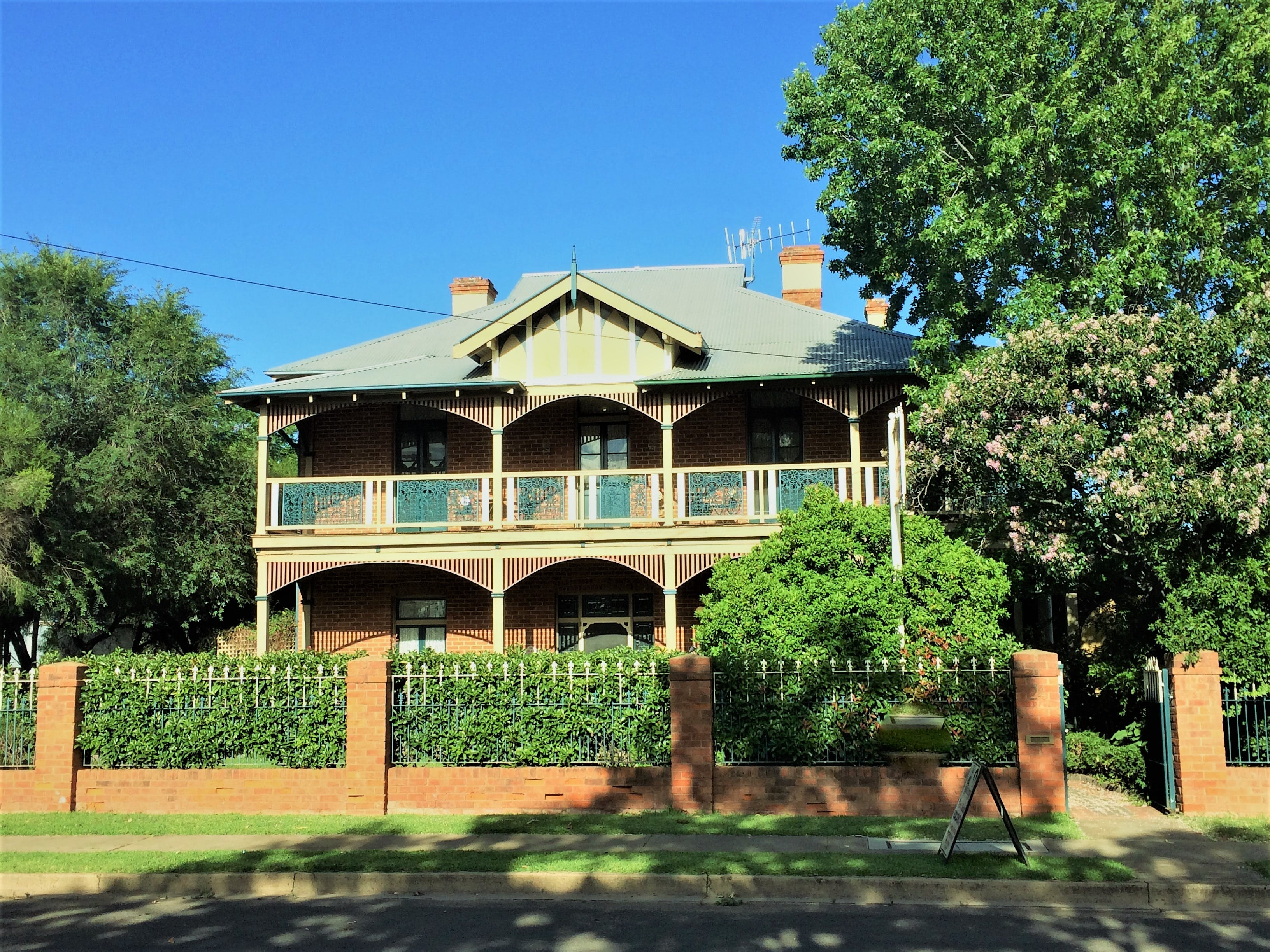 The Abbey Bed and Breakfast - Surfers Gold Coast