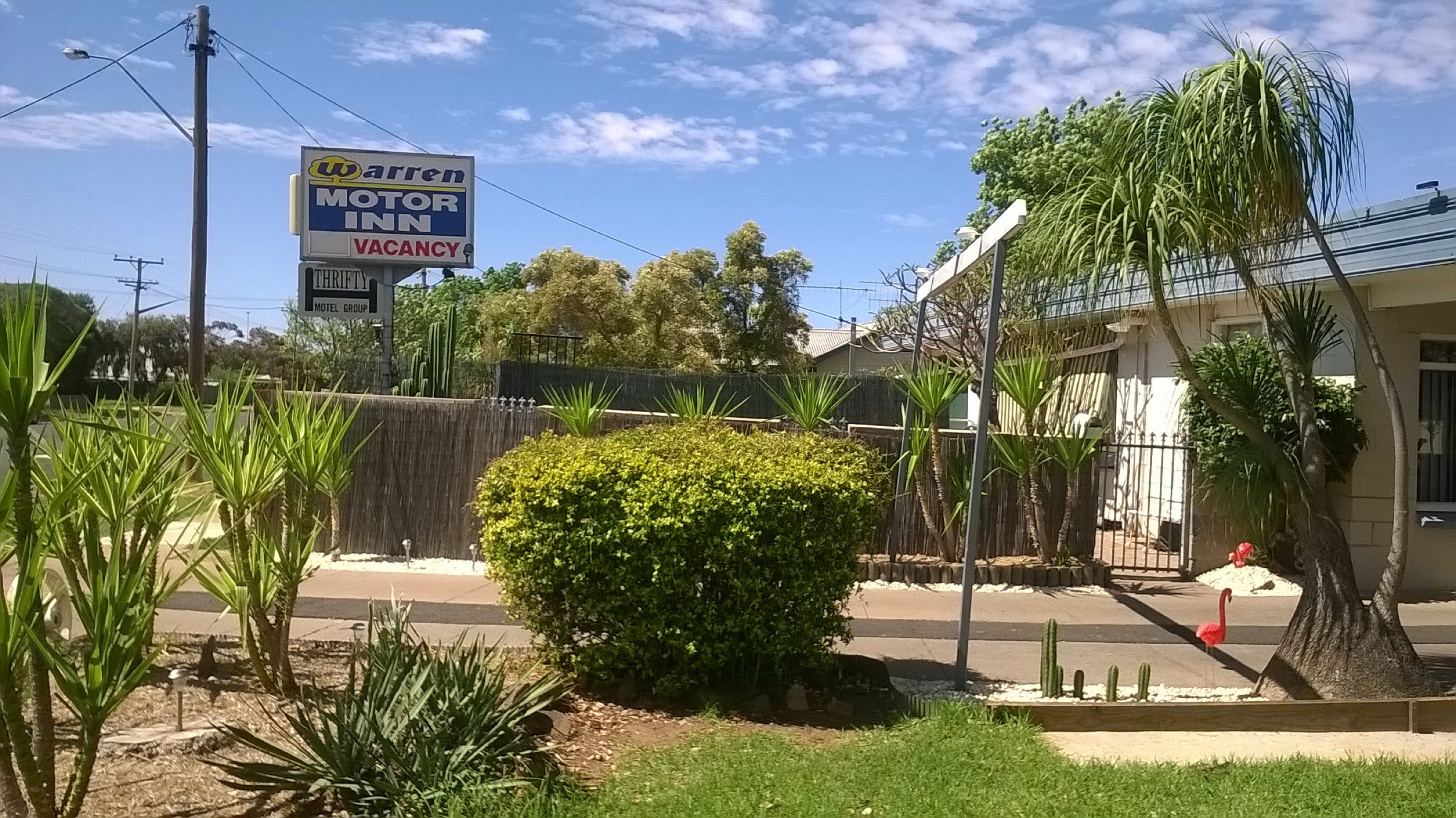 Warren Motor Inn - Surfers Gold Coast
