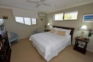 Trigg Retreat Bed And Breakfast - Surfers Gold Coast