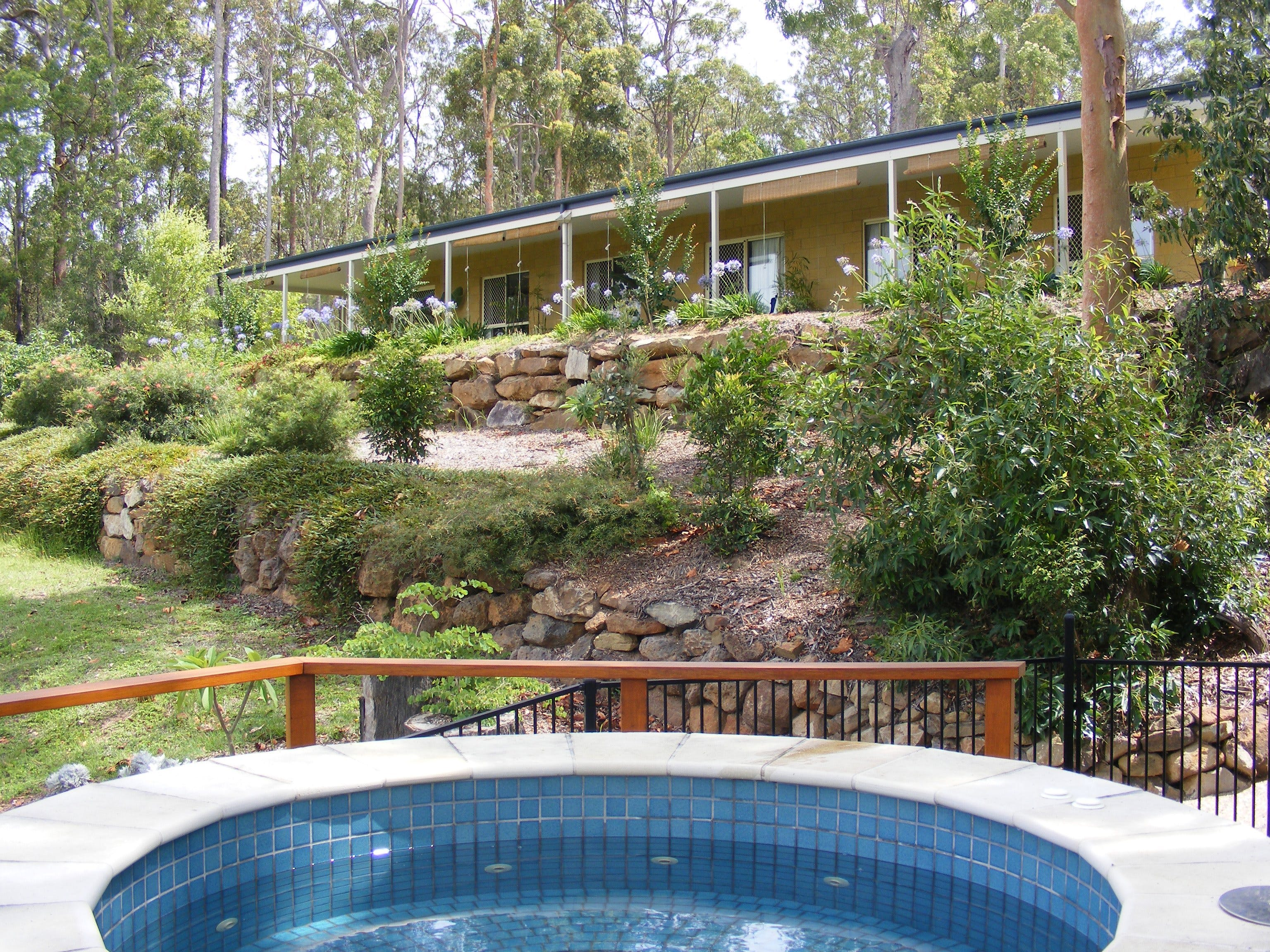 Bed and Breakfast at Wallaby Ridge - Surfers Gold Coast