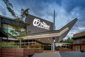 Quality Hotel Dickson - Surfers Gold Coast