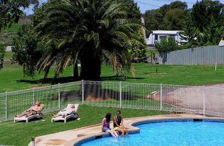 Swan Hill Holiday Park - Surfers Gold Coast