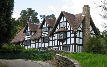William Shakespeare's Bed  Breakfast - Surfers Gold Coast