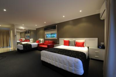 The Gateway Village Holiday Park - Surfers Gold Coast