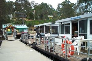 Clyde River Houseboats - Surfers Gold Coast