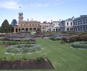 Werribee Mansion - Surfers Gold Coast