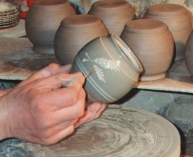 Nulladolla Pottery Group - Surfers Gold Coast