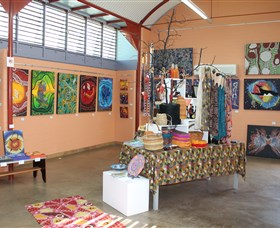 Dunghutti Ngaku Aboriginal Art Gallery - Surfers Gold Coast