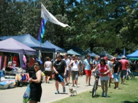 Coolangatta Art and Craft Markets - Surfers Gold Coast