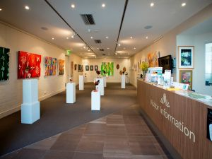 Australian National Botanic Gardens Visitor Centre Gallery - Surfers Gold Coast