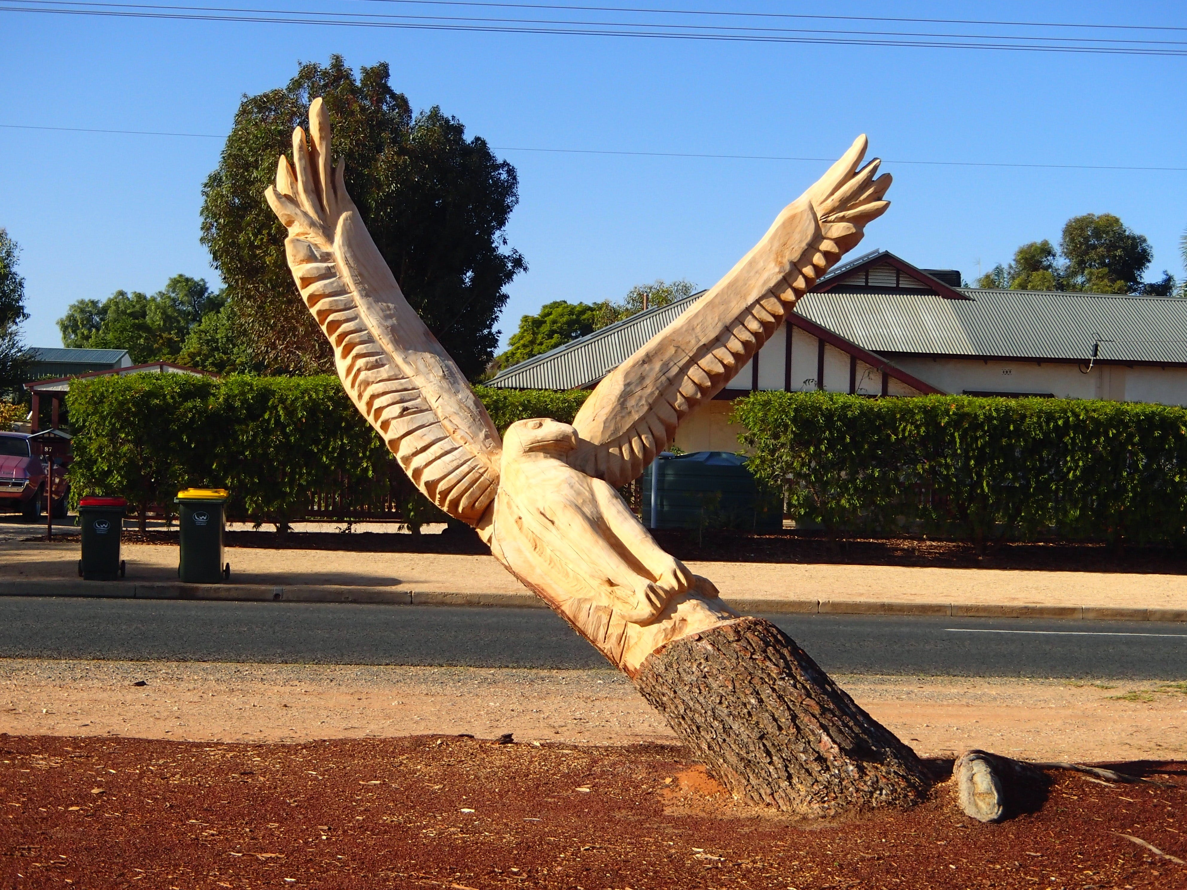 Loxton Tree sculptures - Surfers Gold Coast