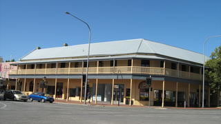 Colac Hotel - Surfers Gold Coast