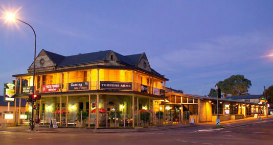 Torrens Arms Hotel - Surfers Gold Coast
