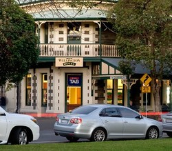 The Wellington Hotel - Surfers Gold Coast