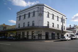 Royal Hotel - Surfers Gold Coast