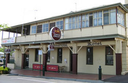 Commercial Hotel Alexandra - Surfers Gold Coast