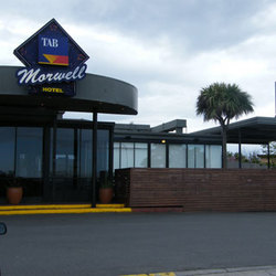Morwell Hotel - Surfers Gold Coast
