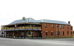 Bundarra Hotel - Surfers Gold Coast