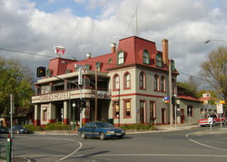 The Grand Hotel Healesville - Surfers Paradise Gold Coast