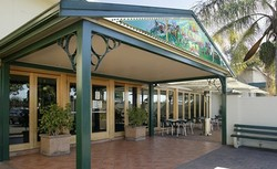 Twin Willows Hotel - Surfers Gold Coast