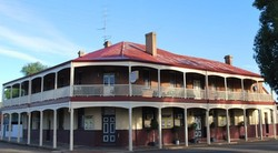 Brookton Club Hotel - Surfers Gold Coast