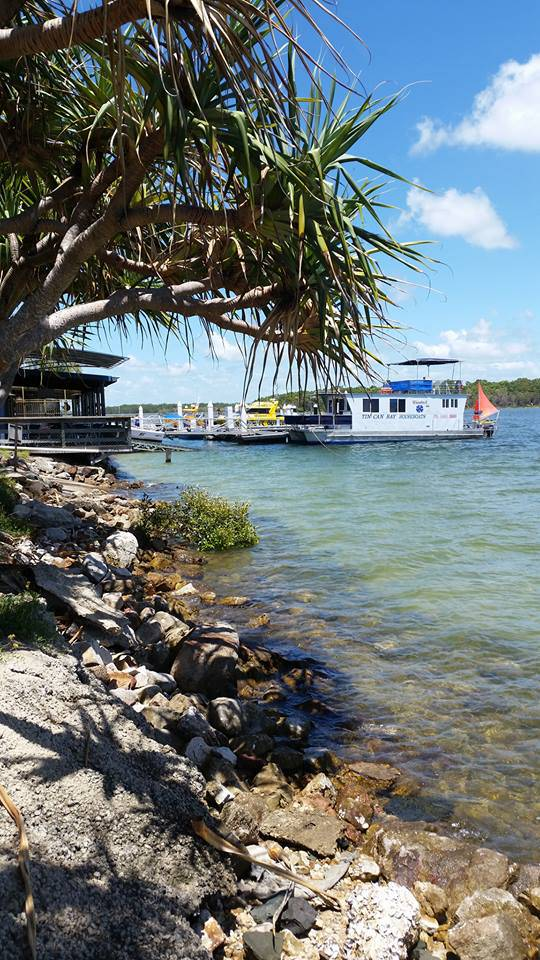 Tin Can Bay Yacht Club Bistro - Surfers Gold Coast